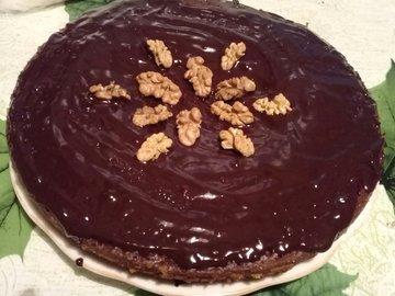 Шоколадный торт с грецкими орехами в мультиварке