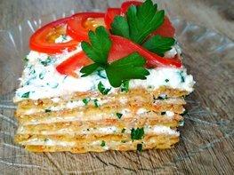 Мясной торт с брынзой и зеленью