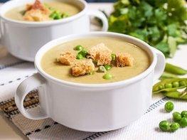 Суп-пюре с зелёным горошком и сыром