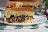 Наливной пирог с картофелем и грибами в мультиварке
