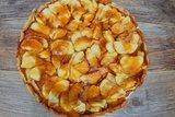 Яблочная галета с карамелью