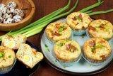 Закусочные кексы с яйцом и беконом