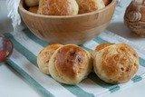 Дрожжевые картофельные булочки с луком