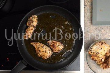 Макароны с курицей и грибами в сливочном соусе - шаг 2