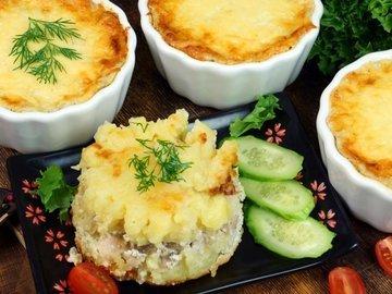 Куриное филе бедра с картофелем в соусе